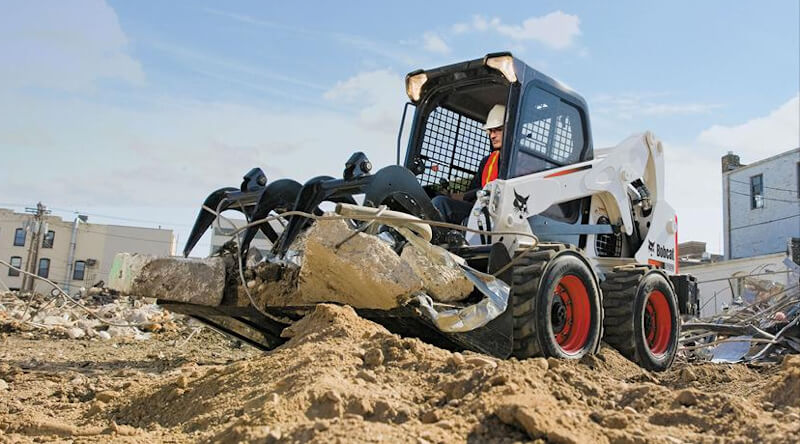 Specialists in Skidsteer Loaders