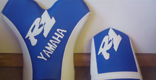 Yamaha R1 Custom white and blue seat